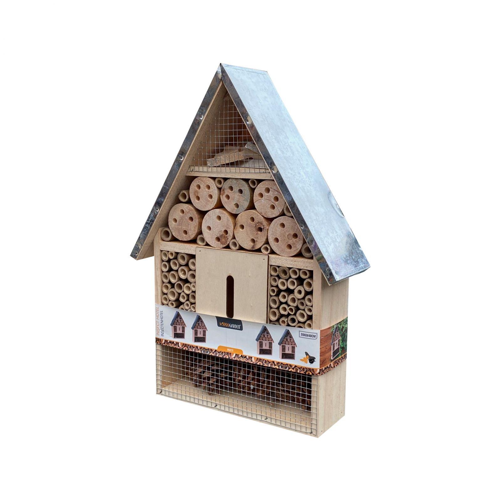 Domek pro hmyz s kovovou střechou
